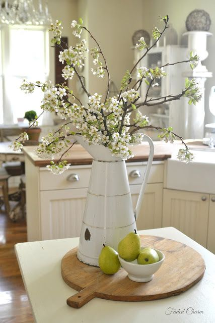 Dining table centerpieces, French and Table centerpieces on Pinterest