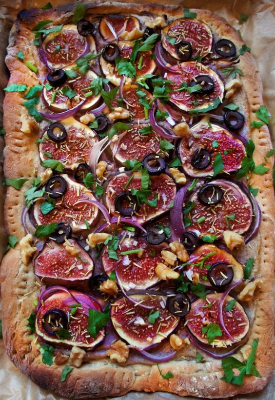 Gorgeous Fig & Walnut cheese pizza, accentuated with hints of rosemary, onion & olive. Heaven! (vegan)