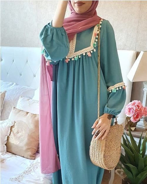 10 Chic Ways To Style Your Winter Outfits In 2020 Woman Suit Fashion Muslimah Fashion Outfits Hijab Fashion