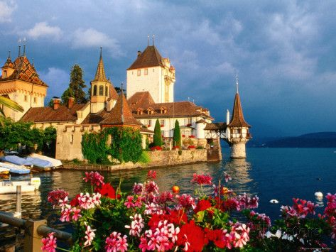 Oberhofen Castle, Lake Thun, Thun, Bern, Switzerland