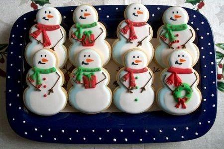 La recette des biscuits de noël à savourer le noël entre la famille et les rennes du père noël... Découvrez la véritable recette des biscuits de noël aux formes amusantes, réalisés avec des emporte-pièces rigolos.