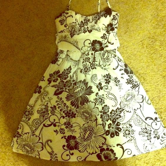 Dress Super cute black floral print with tie in back ruby rox Dresses