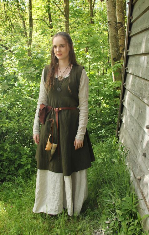 Viking wear by Frøydis