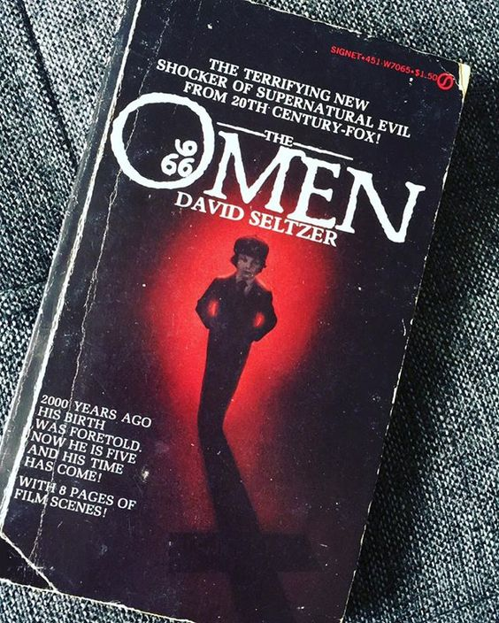Finished #reading #TheOmen 💀🕯☠🔪🔫 so good, the ending had me like 😵😱😳