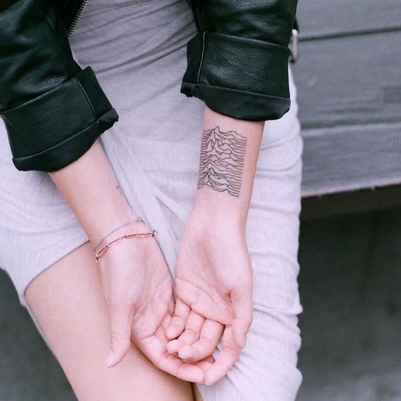 Joy Division | Unknown Pleasures | tattoo | ink | wrist | radio waves | pulsar CP 1919