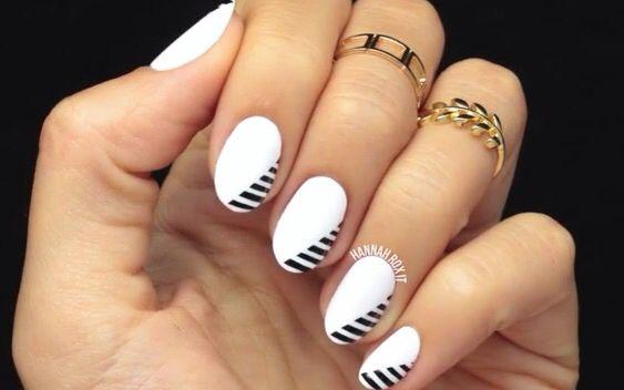 Minimal Monochrome Nails by HannahRoxit
