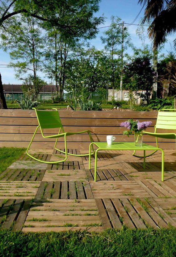 jeux de niveaux terrasse caillbotis bois retenue de terre en bois jardin tages. Black Bedroom Furniture Sets. Home Design Ideas