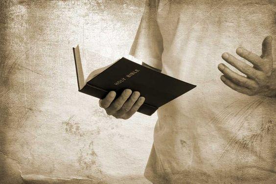 pastor-predicando