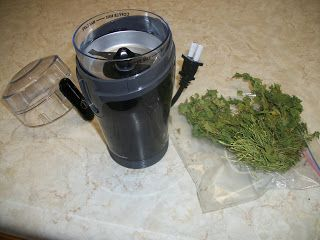 DIY Drying Herbs Health in Beranville: Drying Herbs ~ EASY, HEALTHY and Saves Money!