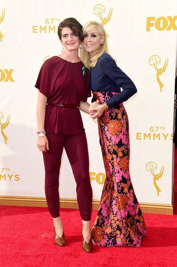 Pin for Later: De Nombreuses Stars se Sont Retrouvé Sur le Tapis Rouge des Emmy Awards Judith Light et Gaby Hoffmann