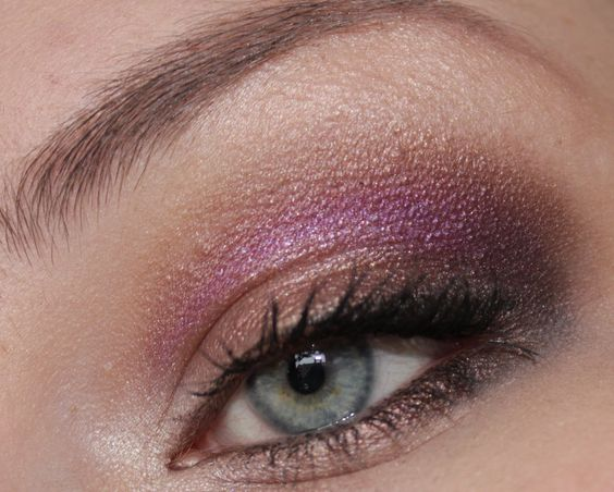 Vorlage: ich! - Satin Taupe & Friends AMu http://www.magi-mania.de/vorlage-ich-satin-taupe-beautymarked-romping-makeup/