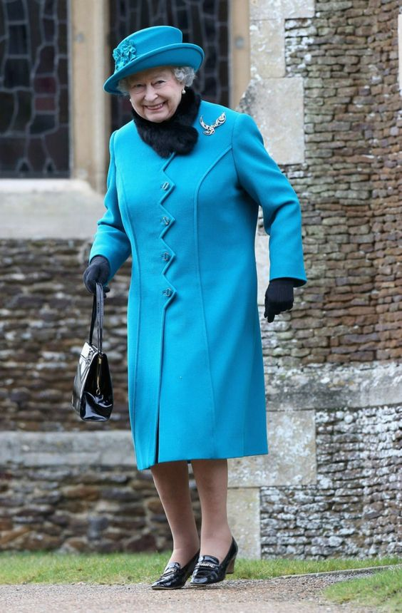style dress uk queen