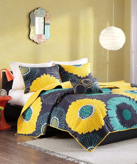 Yellow & Black Flower Three-Piece Bedding Set