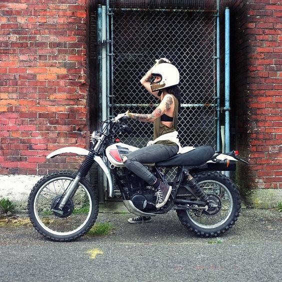 Skadoosh fuckin wheelie time  @frat_slut_ #dreamroll #xt500 by actuallyitsaxel http://ift.tt/1xevTUq
