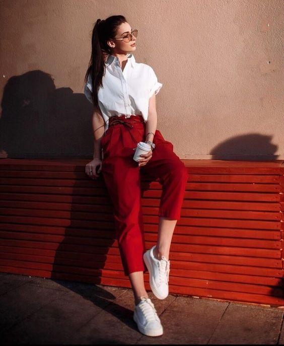 moda de pantalón rojo