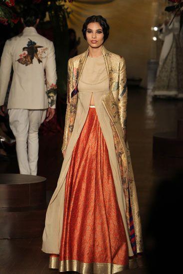 Rohit Bal Amazon India Couture Week 2015 Desi Avatar