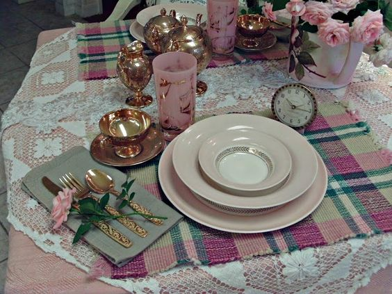 Penny's Vintage Home: Table for Two?