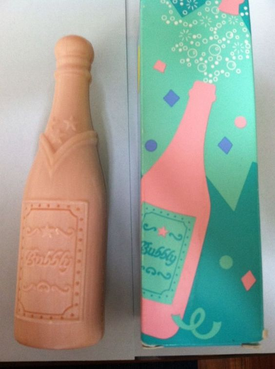 Avon Vintage A touch of the Bubbly soap MIB