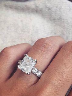 Engagement & Wedding Rings http://link.ssg.bg/2fh3MSV #Бижута Пръстен Pinterest
