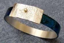Resultado de imagem para pulseira com nome recortado em prata