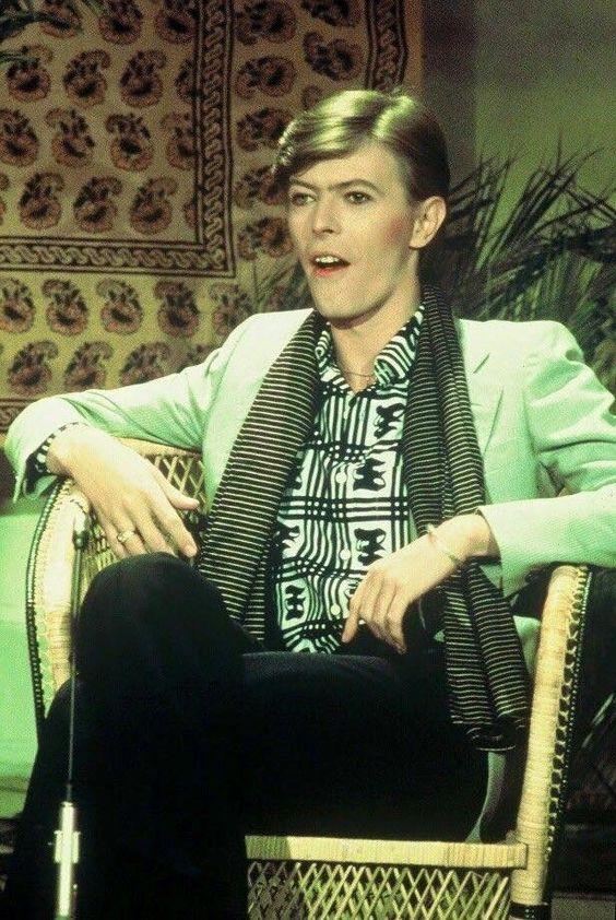 ~ ★ ~ David Bowie ~ ★ ~ #DavidBowie #Art #Pioneer #Icon #Instrumentalist #Love ★ ★ ★