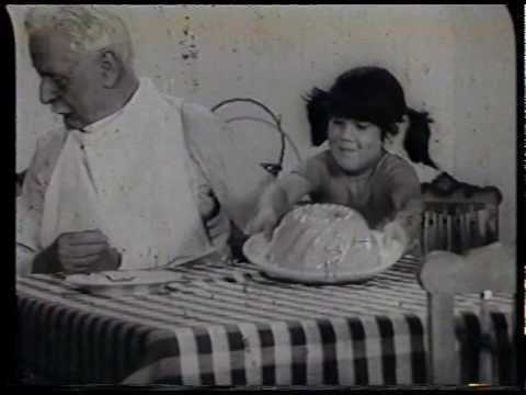 O Boca Doce é bom, é bom, é. Diz o avô e diz o bébé-é-é-é-é.