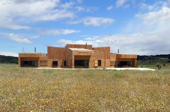 blancafort-reus arquitectura: a house for three sisters