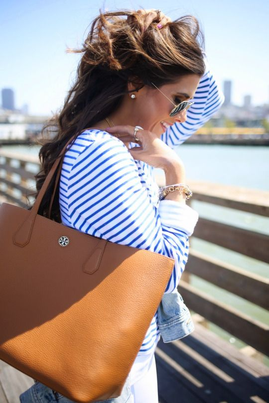 I love the top paired with the bag in this look! I could totally see myself rocking this look.
