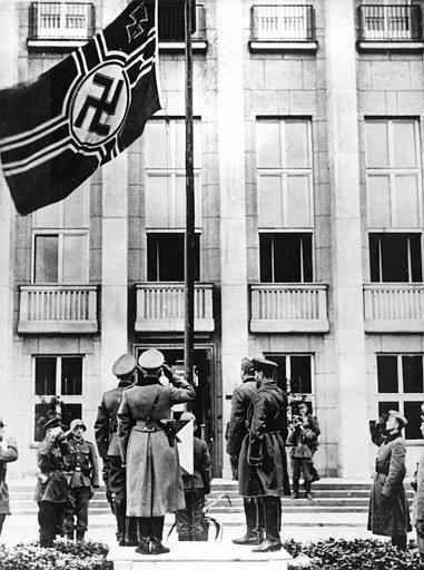 БДИТЕЛЬНОСТЬ Исторический миф: «совместный парад» вермахта и РККА в Бресте - БДИТЕЛЬНОСТЬ