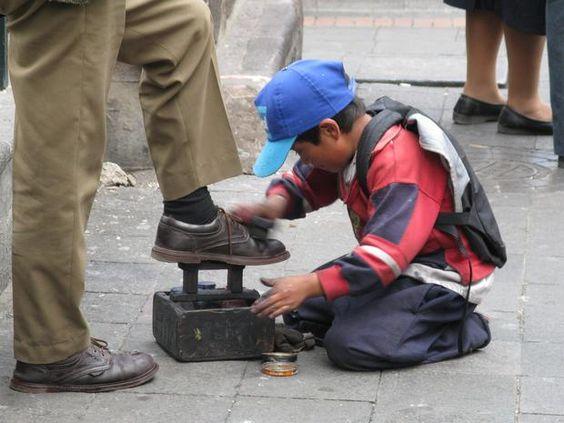 Más de 2.4 millones de niños trabajan en México