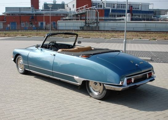 One of 95: Beautifully Restored 1968 Citroen DS Decapotable