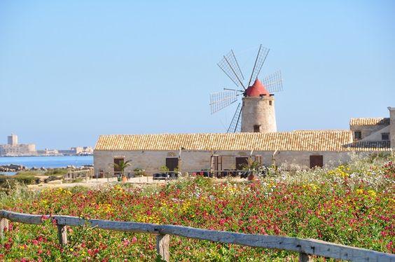 Museo del Sale - het zoutmuseum, gelegen in het westen van Sicilië aan de zoukust.