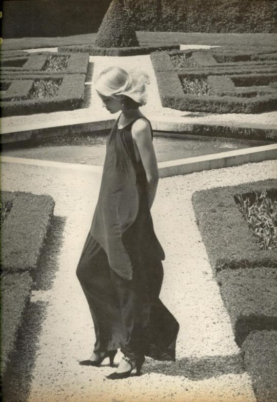 Gunilla Lindblad by Helmut Newton for Vogue, August 1975: