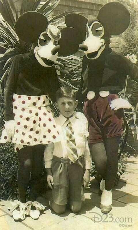 Disfraces de Mickey y Minnie Mouse en 1930. De miedo.