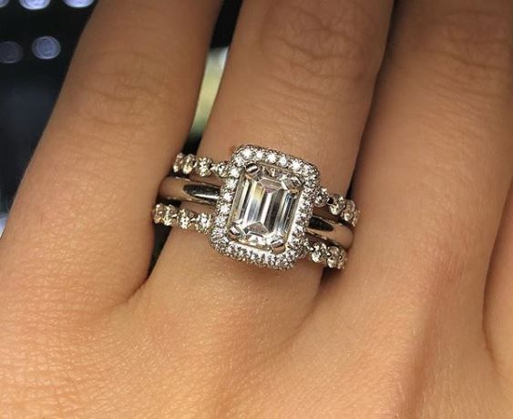 The Wedding Band Fits Inside The Engagement Ring Cool Idea Rings Cool Engagement Engagement Rings