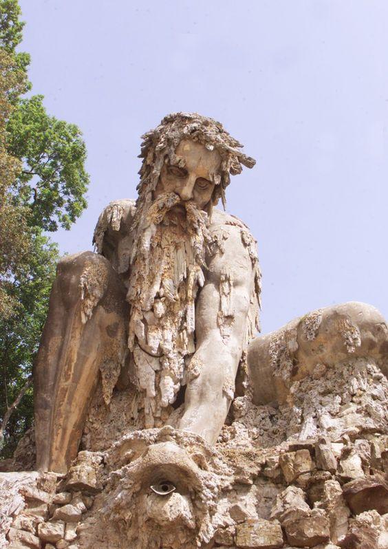Dans cette statue géante duXVIème siècle, des chambres secrètes ont été découvertes