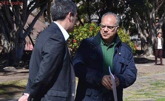 Clavijo subraya el apoyo de Curbelo para evitar que los jóvenes emigren de La Gomera