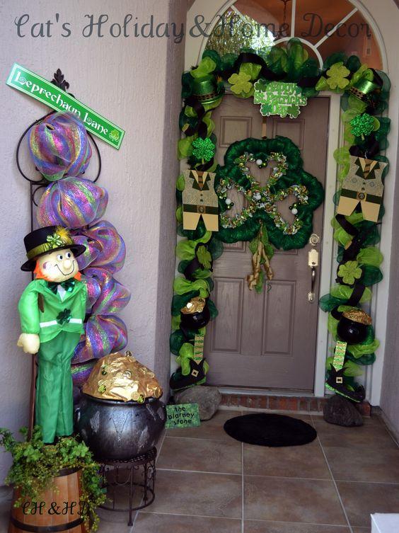 St patricks day door decor deco mesh pinterest for St patrick s day home decorations