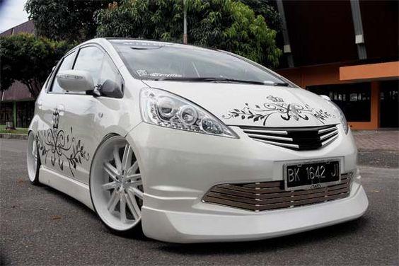 Modifikasi Honda Jazz Putih