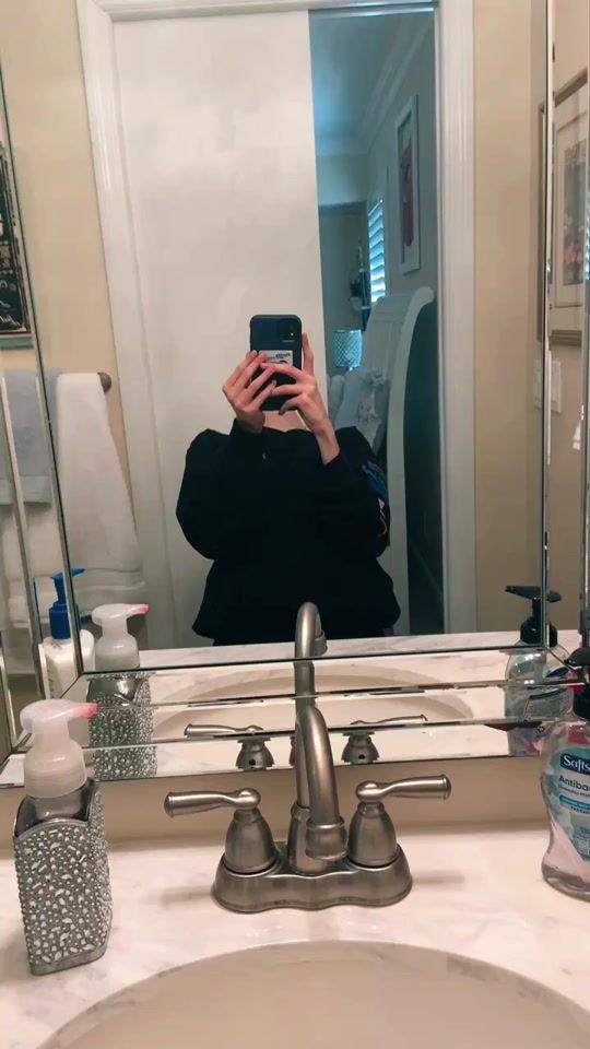 So No Head Gotnohead Tiktok Watch So No Head S Newest Tiktok Videos Mirror Selfie Tiktok Watch Videos