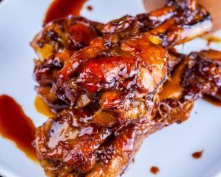 Cuisses de lapin à la sauce soja : http://www.fourchette-et-bikini.fr/recettes/recettes-minceur/cuisses-de-lapin-la-sauce-soja.html-0