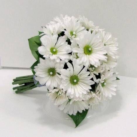 White Daisy Wedding Bouquet Easy Bridal Bouquet Tutorials Flower Bouquet Wedding Daisy Bouquet Wedding White Daisy Wedding Bouquet