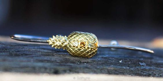 Jonc Ananas  #ananas #pineapple #preciousstone #finejewellery #petitejoaillerie #jewellery #sathyne #bijoux