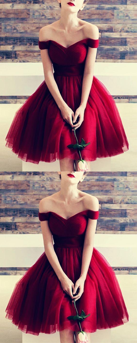 Lovely Sweetheart Wine Red Tulle V Neck Off The Shoulder Bridesmaids Dresses Kne Tulle Homecoming Dress Knee Length Bridesmaid Dresses Burgundy Short Dress [ 1410 x 564 Pixel ]