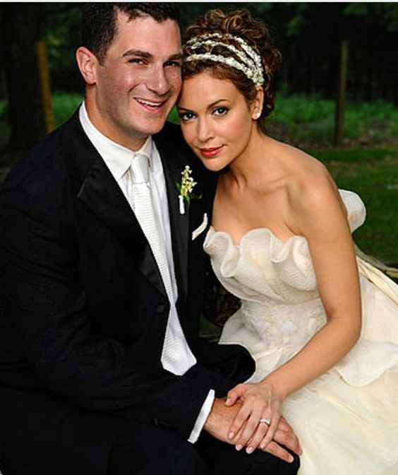 grown up now alyssa milano on her wedding day to dave