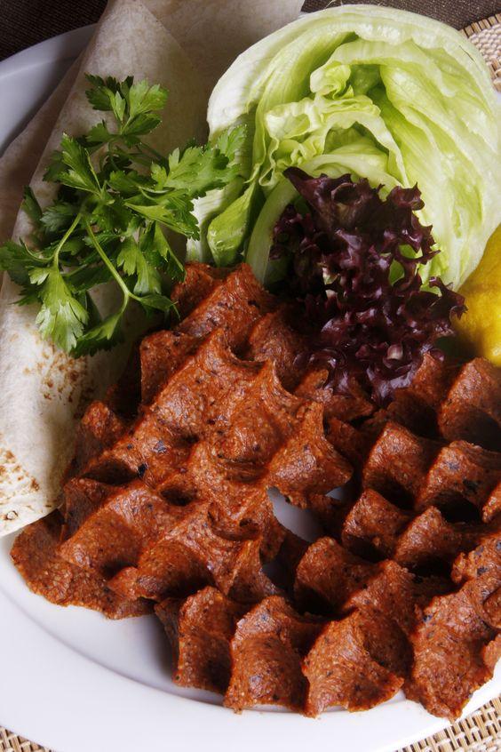 Çiğ Köfte, Plato de carne cruda, Turquía