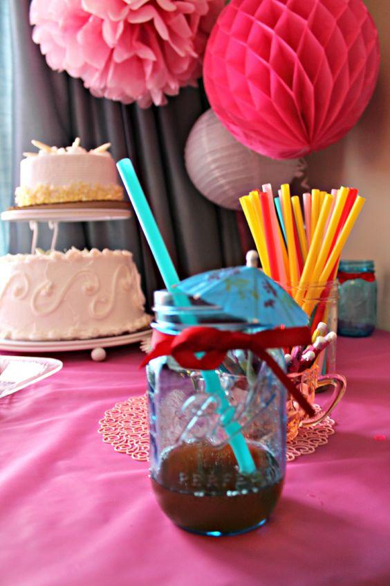 Blue mason jars for cocktail.