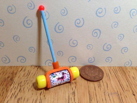 Fabriqué à la main poupées Miniature réplique vintage fisher le prix pousser le long de l'échelle de melody maker 1/12