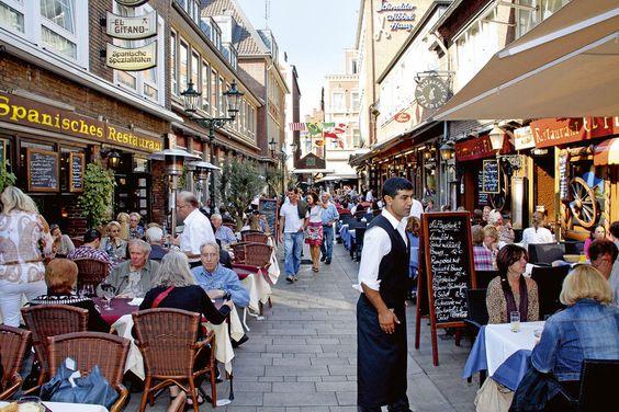 Düsseldorf, Altstadt, hier die Schneider-Wibbel-Gasse.