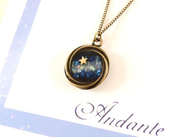夜空と星のネックレス(小) by まは アクセサリー ネックレス | ハンドメイド、手作り作品の通販・販売サイト minne(ミンネ)